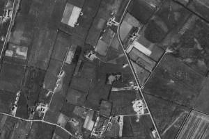 Figuur 18: Luchtfoto van de Biesbosserweg uit 1960.